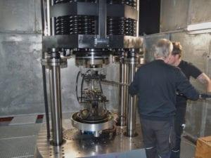 Größte Resonanzprüfmaschine POWER SWING 2MN