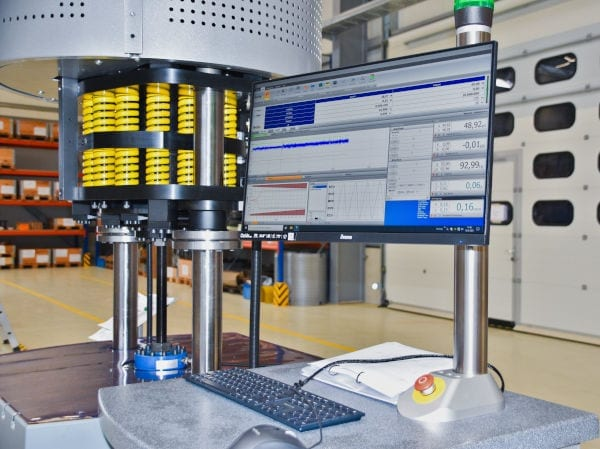 Regelsysteme & Software Resonanzprüfmaschinen